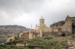Église de Saint-Nicolas La forteresse de Narikala images libres de droits