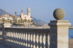 Église de Sant Bartomeu i Santa Tecla chez Sitges, Espagne Photographie stock libre de droits
