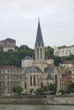 Église de St George dans le vieux secteur de Lyon Photographie stock libre de droits