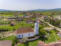 Église de village de Talisoara Olasztelek dans le comté de Covasna, Transylv Photos libres de droits