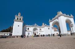 Église de ville de Copacabana, Bolivie Photographie stock