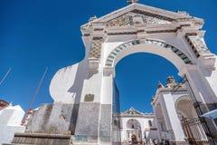 Église de ville de Copacabana, Bolivie Image stock