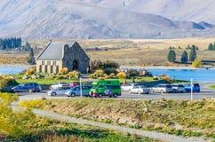 Église du bon berger qui est situé au lac Tekapo Les gens peuvent explorer vu autour de lui Photo stock