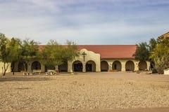 Église du sud-ouest de style avec des voûtes photo libre de droits