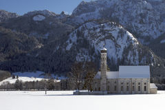 Église en Bavière rurale, Allemagne méridionale, l'hiver. Photos stock