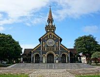 Église en bois de Kontum, cathédrale antique, héritage Photographie stock libre de droits