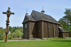 Église en bois de la survie la plus ancienne en Lithuanie image libre de droits