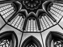 Église en noir et blanc photographie stock