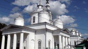 Église en pierre blanche de la Russie image libre de droits