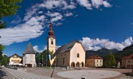 Église enrichie de St Peter et de Paul dans Tarvisio Image stock