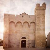 Église enrichie médiévale Notre-Dame-De-La-MER, architecture historique, Saintes-Maries-de-la-Mer, Camargue, France photos stock
