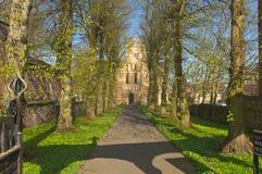 Église et au sol scéniques d'église Images stock