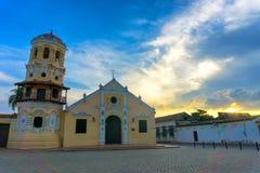 Église et ciel dramatique Photos libres de droits