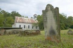 Église et cimetière historiques le long de la route 22 en Géorgie centrale Photo libre de droits