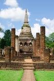 Église et stupa de ruine Photographie stock libre de droits