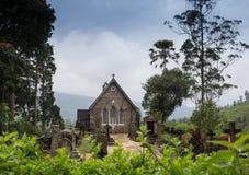 Église gothique en montagnes de Connemara Photos stock