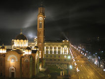 Église, hôtel de ville, rue principale de ville Images libres de droits