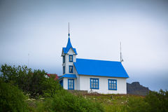 Église islandaise rurale typique Photos stock