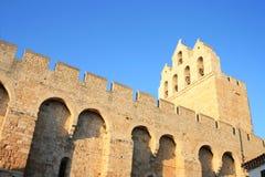 Église médiévale de Saintes Maries de la Mer image libre de droits