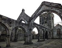 Église médiévale ruinée photographie stock libre de droits