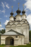 Église noire de Lazarevskaya de dôme dans Suzdal Photo stock