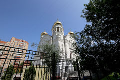 Église orthodoxe moderne à Moscou, Russie Photos libres de droits
