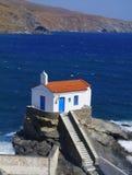 Église par la mer Photos libres de droits