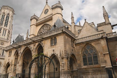 Église parisienne Photo stock