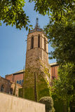 Église parmi des arbres Images libres de droits