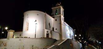 Église paroissiale de Bucelas, Loures la nuit image stock