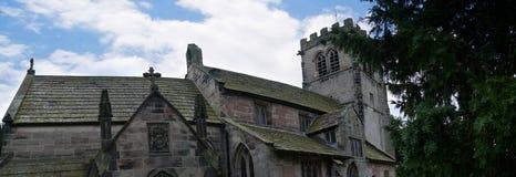 Église paroissiale et école de St Mary's dans Alderley bas Cheshire images libres de droits