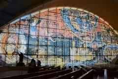 Église Pater Pio : Corps de St Pius Images stock