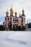 Église pendant l'hiver Tcheboksary Photos stock