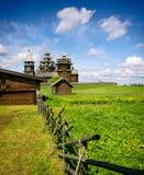 Église russe en bois traditionnelle sur l'île de Kizhi Photo stock