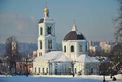 Église Snow-covered Photographie stock libre de droits