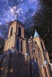 Église sous les étoiles Photos stock