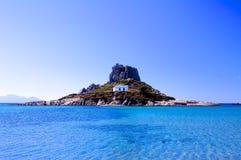 Église sur l'île de Kos en Grèce sur la côte images stock