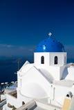 Église sur l'île de Santorini Photographie stock libre de droits