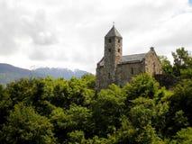 Église sur la colline Image libre de droits