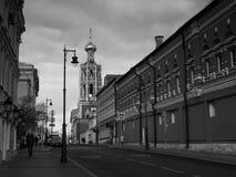 Église sur la rue de Petrovka images libres de droits