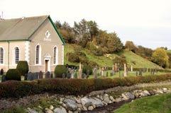 Église sur le fleuve Photo stock