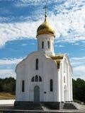 Église sur un ciel de fond Image libre de droits