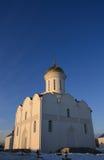 Église sur un coucher du soleil Image libre de droits