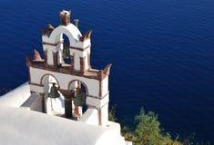 Église traditionnelle en île de Santorini, Grèce Image stock