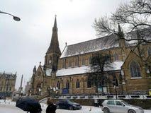 Église un jour neigeux photographie stock libre de droits