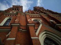 Église, vieux bâtiment avec la brique brune photographie stock libre de droits