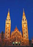 Église votive la nuit 08, Szeged, Hongrie Image stock