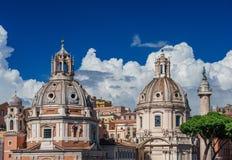 Églises de jumeau de forum de Trajan Photographie stock libre de droits