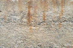 Égouttements sur le mur image stock