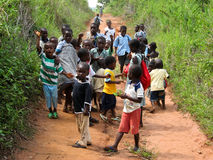 Élèves ghanéens non identifiés le 14 novembre 2011 dans Asiafo Amanfro, Ghana Images stock